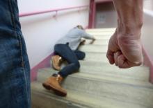 Violences faites aux femmes Des bonnes volontés à l'épreuve de la réalité